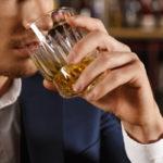 álcool causa impotência